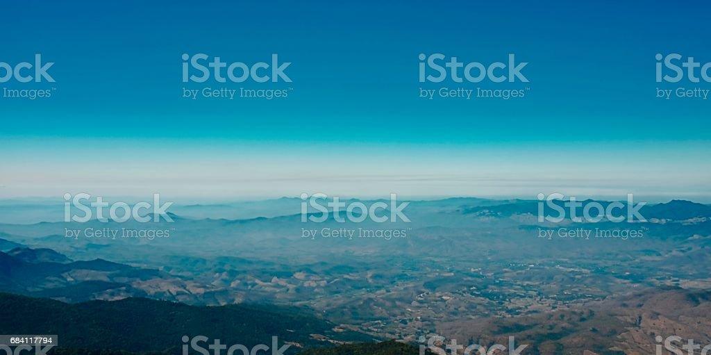 Panoramische berg gezichtspunt van Kew Mae Pan landschap op Doi Inthanon national park, Chiang Mai, Thailand royalty free stockfoto