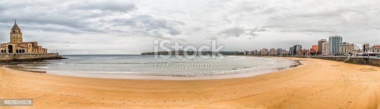 istock Panoramic of  San Lorenzo Beach, Gijon, Spain 692604528
