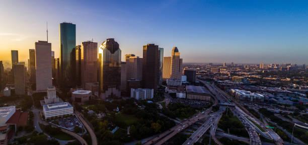 Panorama Panorama Luftbild Drohne Pano Houston Texas Skyline Stadtbild bei Sonnenaufgang – Foto