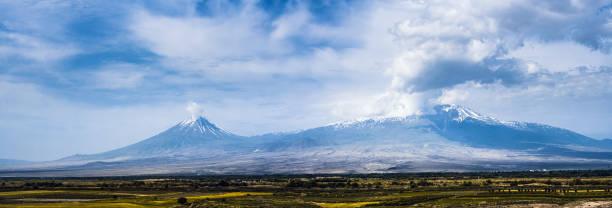 Panoramaschuss der Ararat-Berge – Foto