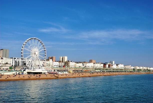 Panoramablick am Strand von Brighton – Foto