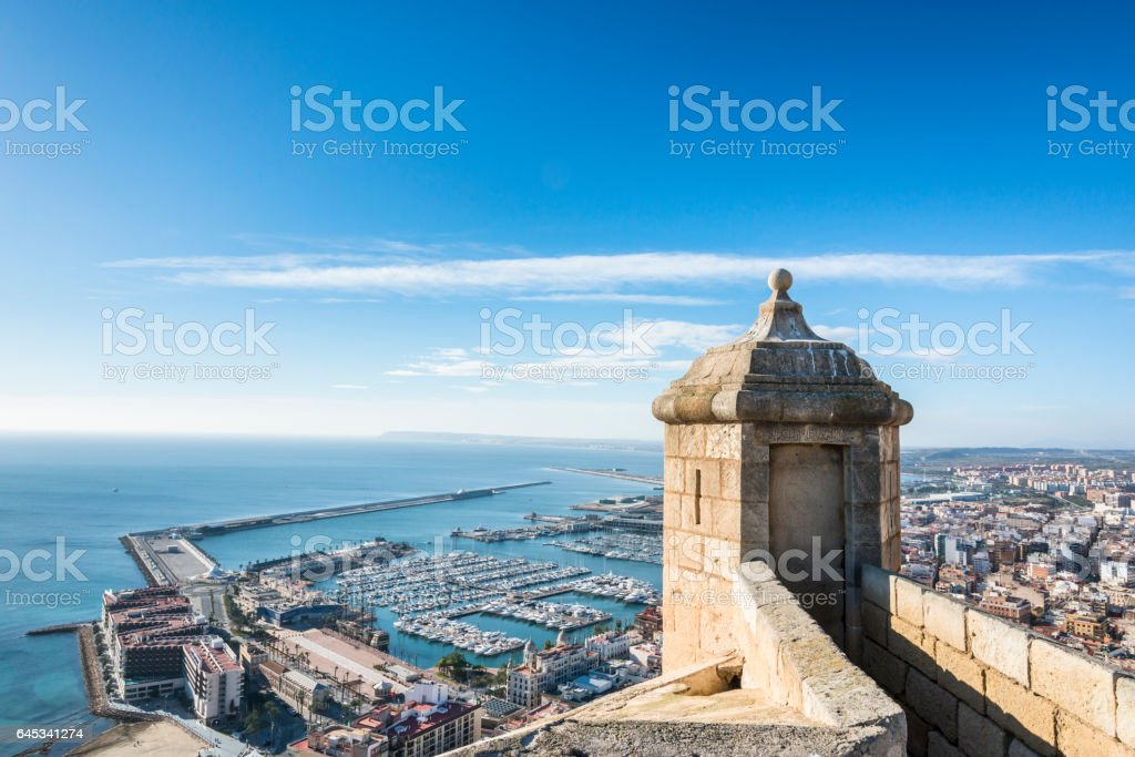 Blick von der Burg Wachturm Santa Barbara in Alicante. Provinz Valencia. Spanien. – Foto