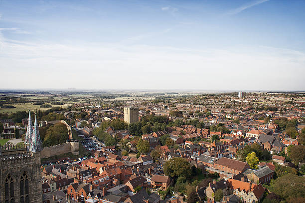 panoramic view, historic city of lincoln, england from cathedral tower - 林肯郡 個照片及圖片檔