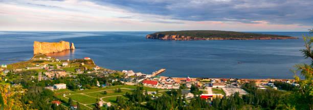 Panoramablick in Perce Quebec – Foto