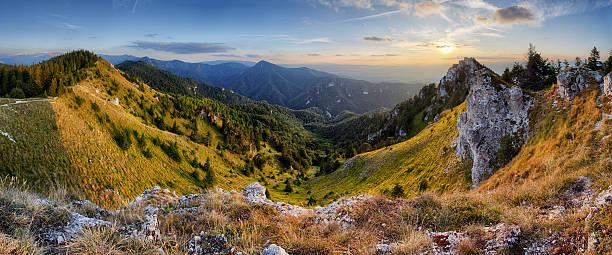 Vue panoramique de la Slovaquie rural scène de montagne - Photo