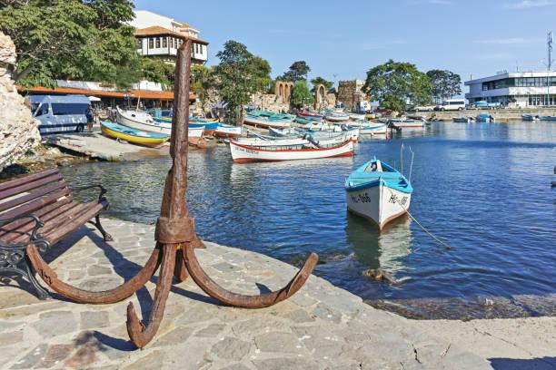 Liman ve Nessebar eski kenti, Burgaz Bölgesi, Bulgaristan tekne panoramik görünümü stok fotoğrafı