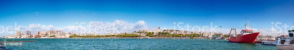 Vista panorâmica de Cagliari-costurado panorama - foto de acervo