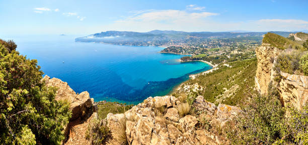 panoramic View of Cassis town, Route des Cretes mountain road, P panoramic View of Cassis town, Route des Cretes mountain road, Provence, France var stock pictures, royalty-free photos & images
