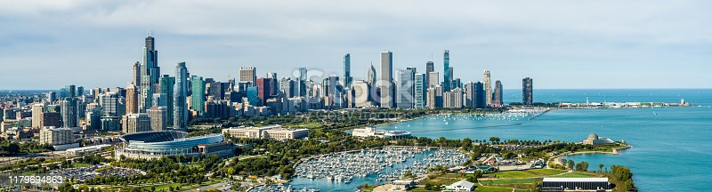 852738732istockphoto Panoramic View of Chicago Cityscape in Fall 1179694863
