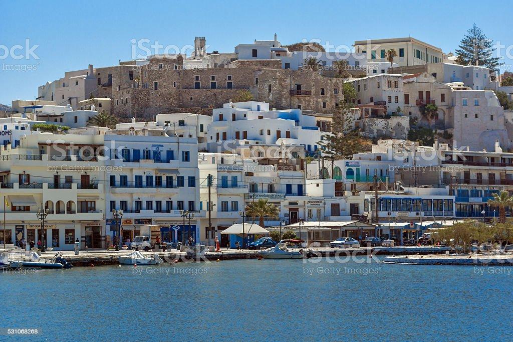Vue panoramique de chora ville l le de naxos gr ce photos et plus d 39 images de archipel des - Mykonos lieux d interet ...