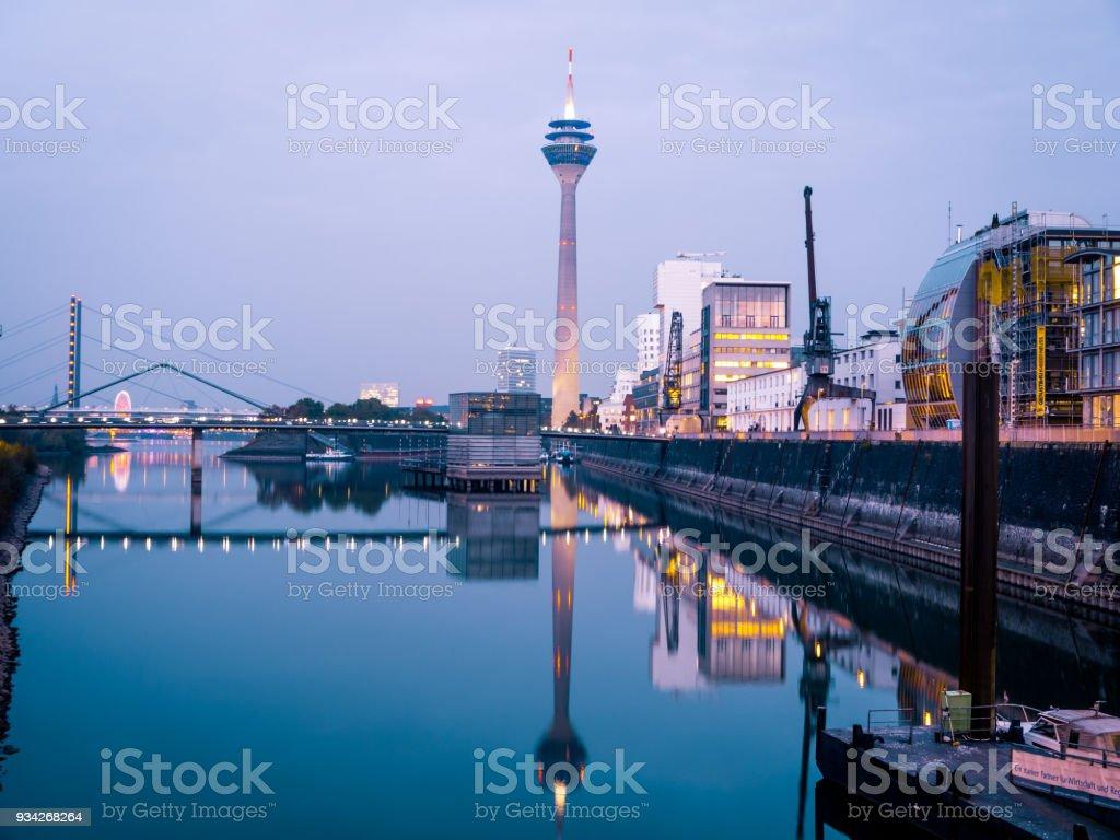 Panoramablick auf Düsseldorf Medienhafen (Medienhafen) – Foto