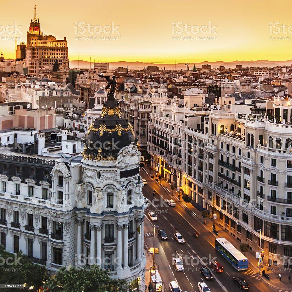 Panoramablick auf der Gran Via, Madrid, Spanien. - Lizenzfrei Abenddämmerung Stock-Foto