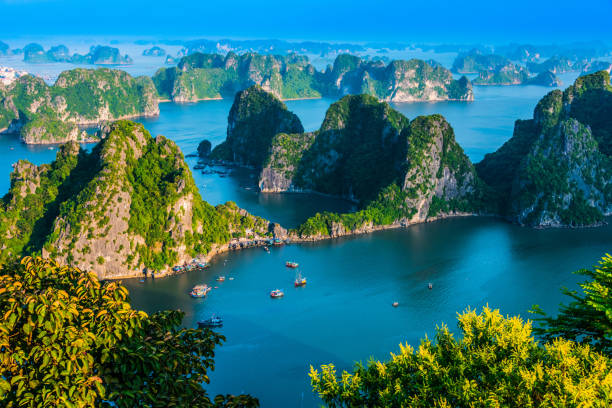 Panoramablick auf Ha Long Bay, Vietnam – Foto