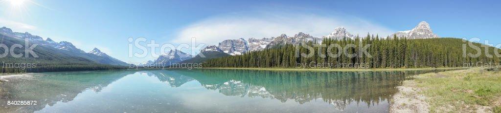 Panoramablick auf See und Berge Landschaft, Kanada – Foto