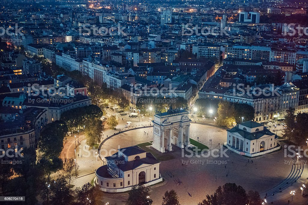 panoramic view of Milan at night - foto stock