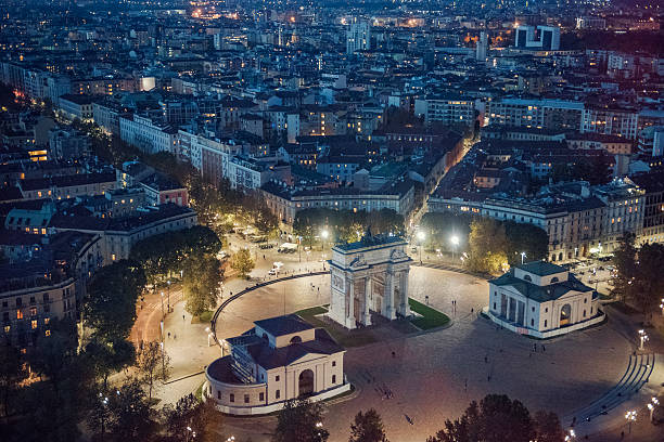 panoramic view of milan at night - milão - fotografias e filmes do acervo
