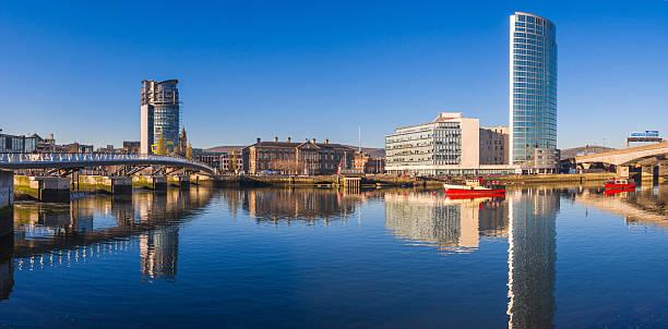 Panoramic view of the Belfast's harbor - foto de stock
