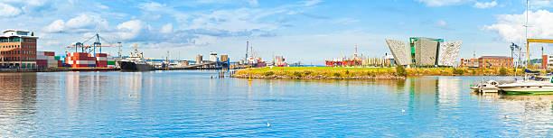Panoramic view of the Belfast's harbour - foto de stock