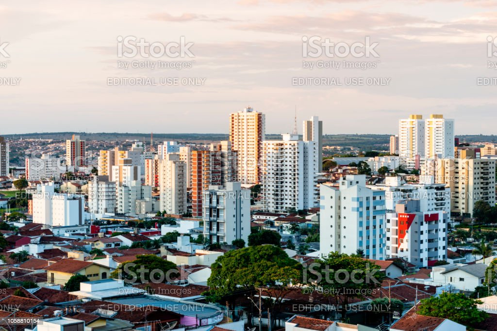Vista panorâmica da cidade de Bauru. Interior do estado de São Paulo. Brasil. Vista aérea. - foto de acervo
