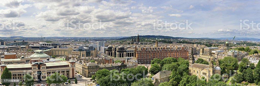 Panoramic view of the Edinburgh skyline and Princess Street Gardens stock photo