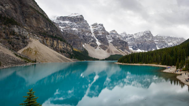 Panoramic view of the Moraine Lake in Banff National Park, Alberta Canada Panoramic view of the Moraine Lake in Banff National Park, Alberta Canada valley of the ten peaks stock pictures, royalty-free photos & images