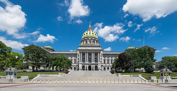 Panoramic view of the Pennsylvania State Capitol Pennsylvania State Capitol building in Harrisburg, Pennsylvania state capitol building stock pictures, royalty-free photos & images