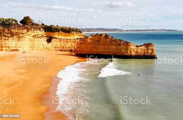 Panoramasicht Auf Die Felsformationen Praia De Marinha Caramujeira Lagoa Algarve Portugal Stockfoto und mehr Bilder von Algarve