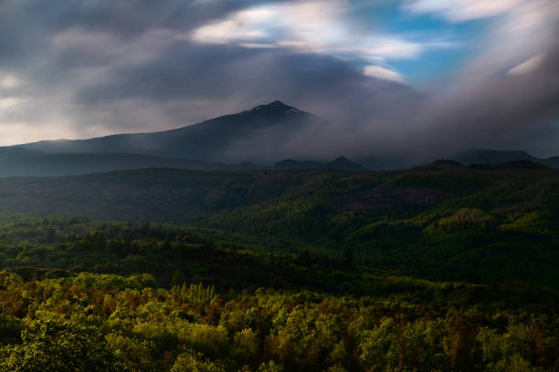 panoramic view of the summit of the volcano Etna during a dramatic sunset – zdjęcie