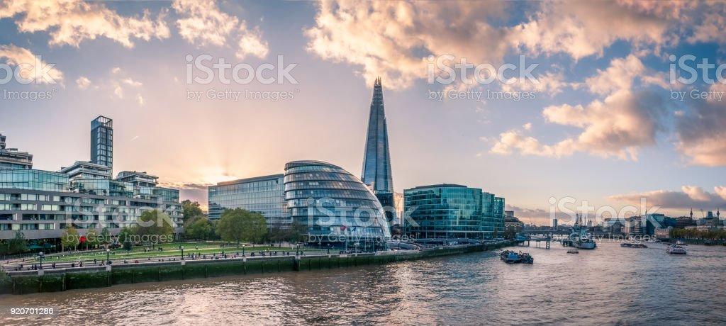 Panoramablick auf die Themse – Foto