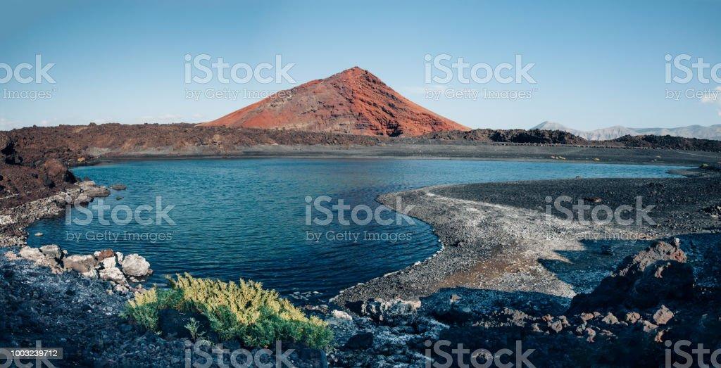 Vista panorâmica de única natureza vulcânica da ilha de Lanzarote - foto de acervo