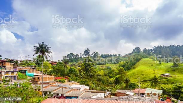 Panoramisch Uitzicht Op Het Stadsbeeld Van De Koloniale Oude Stad Van Salento In Colombia Stockfoto en meer beelden van Activiteit