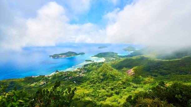 파노라마 볼 써 베이 ternay 섬, 작은 섬에 나 - 마헤 섬 뉴스 사진 이미지
