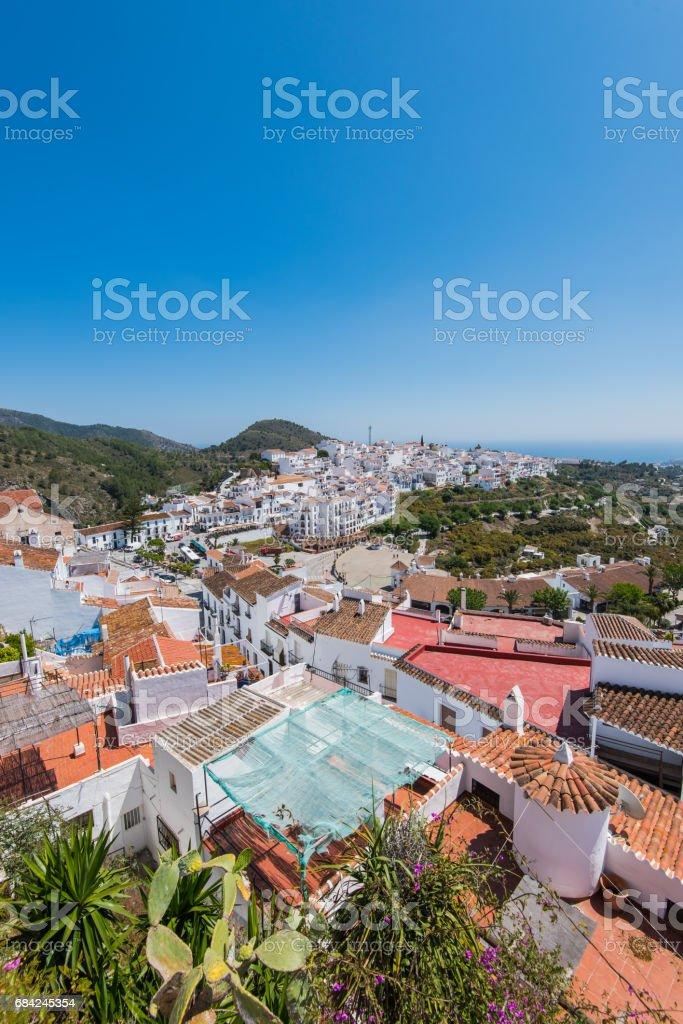 Panoramic view over Frigiliana famous white village near Nerja,Spain photo libre de droits
