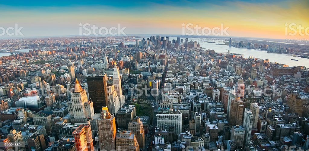 Panoramic view over lower Manhattan New York - foto de acervo