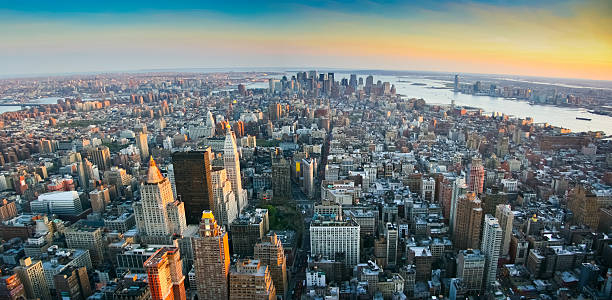 Panoramic view over lower Manhattan New York - foto de acervo