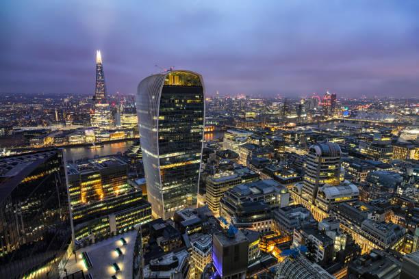 Panoramablick auf die Stadt Skyline von London bei Nacht – Foto