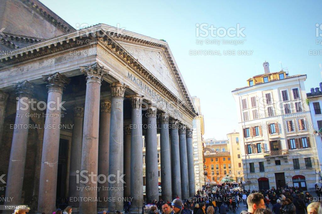 記念は古代ローマの文化の有名な記念碑です - イタリアのストック ...
