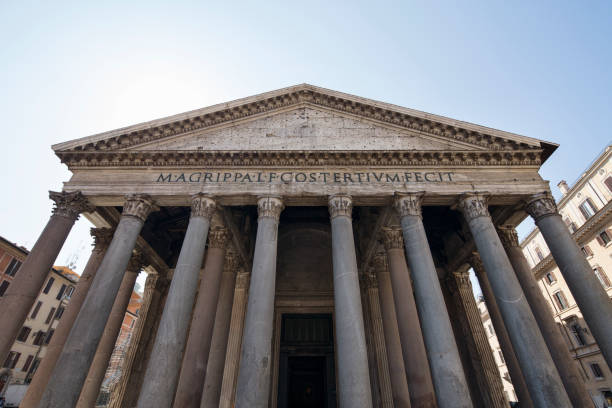 pantheon's facade - low angle view foto e immagini stock