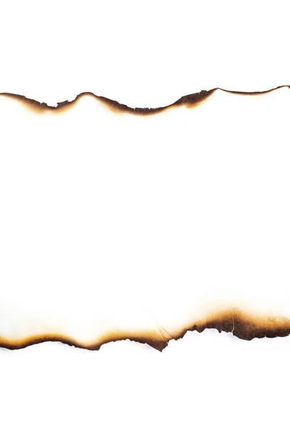 papel se quema en fondos blancos - quemar fotografías e imágenes de stock