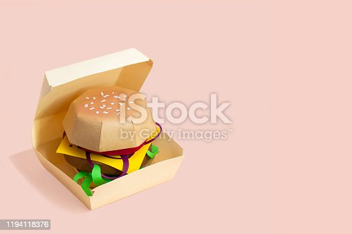1156991909 istock photo Paper hamburger in box 1194118376
