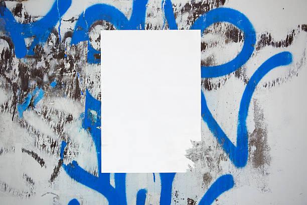 紙都会の壁 - street graffiti ストックフォトと画像