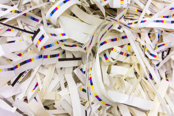 Papier Drum und dran verschwenden CMYK Druck Industrie Streifen Kontrolle vier Hintergrundfarbe – Foto