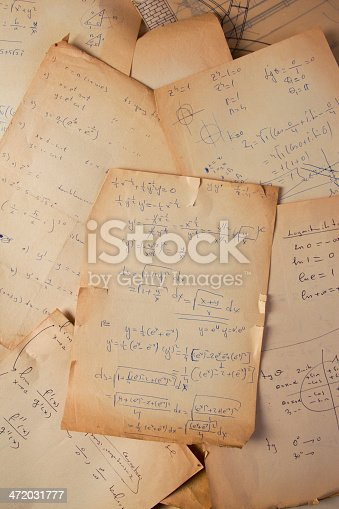 istock Papers of a scientist 472031777