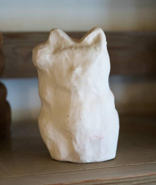 Papier mache beckoing cat or fortune cat or figure of a cat with one picture id1130818459?b=1&k=6&m=1130818459&s=612x612&w=0&h=ama05gefsru l9mcjb penwl fuu928 huugkuwf2j8=