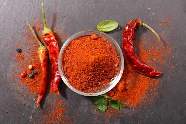paprika,hot pepper - rode chilipeper stockfoto's en -beelden