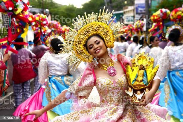 Parade participants in their colorful costumes picture id997307446?b=1&k=6&m=997307446&s=612x612&h=cejzhumparif08rrwrdd3sbd1c7d85ezwr9spnsj9fe=
