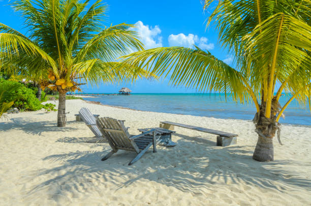 Paradise Beach in Placencia, tropische Küste von Belize, Karibik, Mittelamerika. – Foto