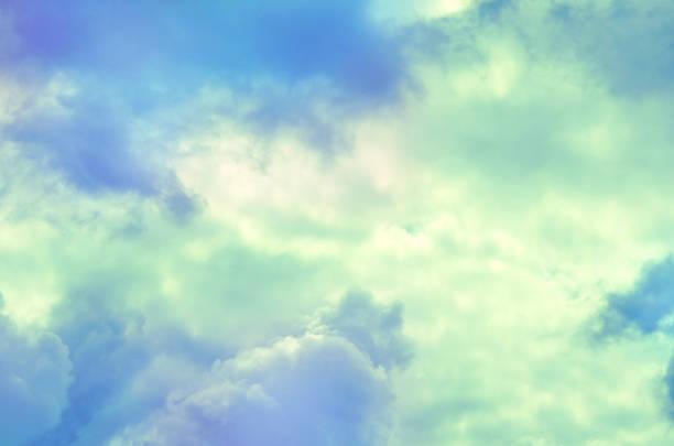 ParadiesWolken Hintergrund in den weichen Pastellfarben. – Foto
