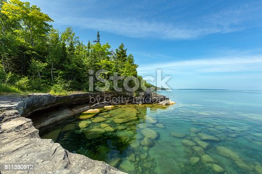 istock Paradise Cove on Lake Superior, Michigan 811380912
