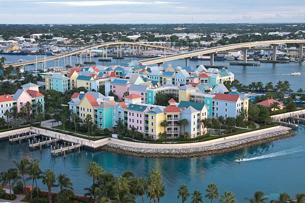 paradise island nassau bahamas - nassau new providence stockfoto's en -beelden